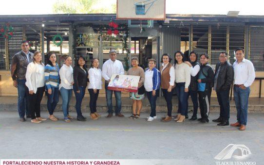 Entrega de 300 Roscas de Reyes a Planteles Educativos