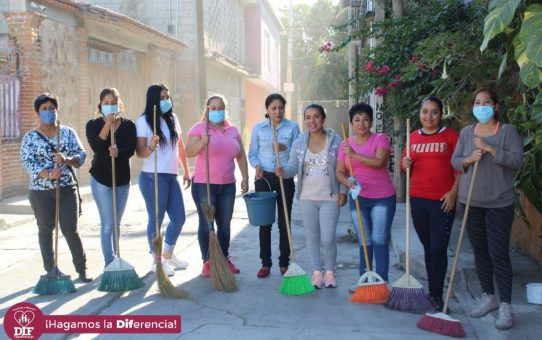 Realizan tareas de limpieza por parte del DIF Municipal