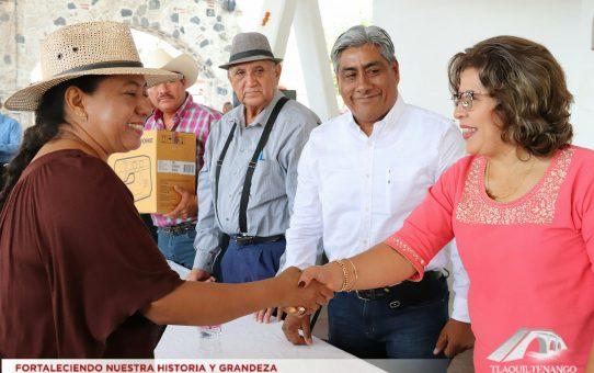 Entrega de Apoyos de FAEDE a Artesanos de Tlaquiltenango
