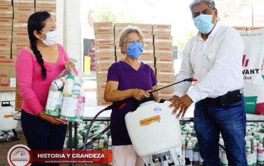 Entrega de Paquetes de Semillas de Maíz y Agroquímicos en Tlaquiltenango