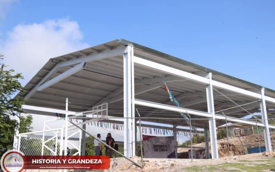Entrega de techumbre en la escuela primaria de la colonia Emiliano Zapata