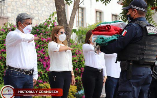 Honores al lábaro patrio en conmemoración  del 110 Aniversario de la Revolución Mexicana.
