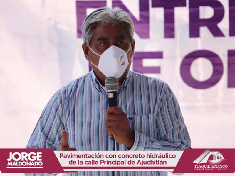 El Profe Jorge Maldonado entrega obra en la comunidad de Ajuchitlan